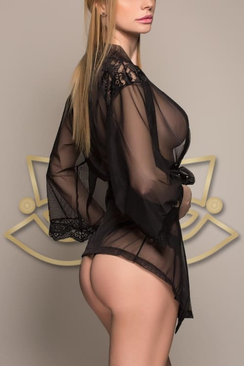 Book tantric massage with Natalie