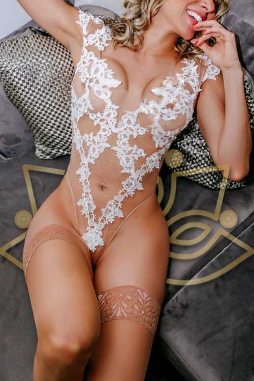 Book appointment now with Jess in Oxford Circus
