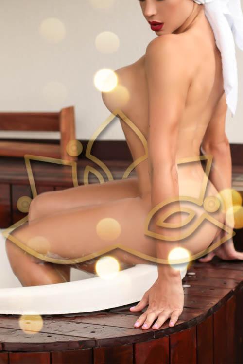 Scarlett tantric masseuse